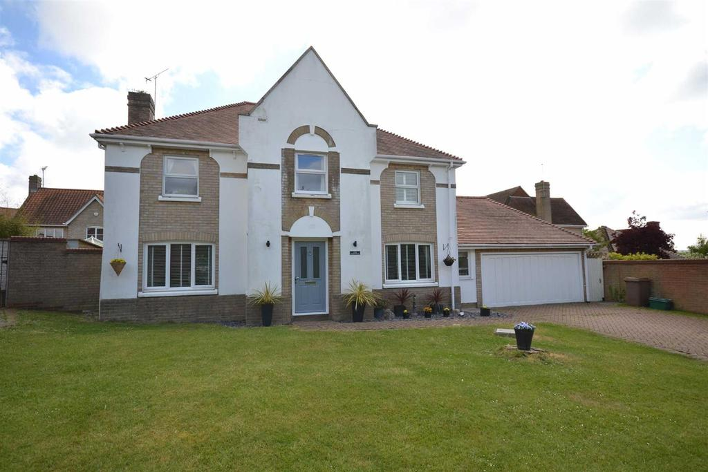 5 Bedrooms Detached House for sale in Celeborn Street, South Woodham Ferrers