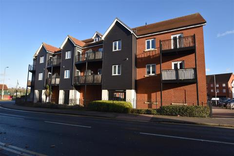 1 bedroom apartment to rent - Tylers Ride, South Woodham Ferrers