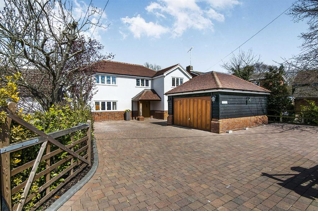 4 Bedrooms Detached House for sale in East Hanningfield Road, Howe Green, Chelmsford