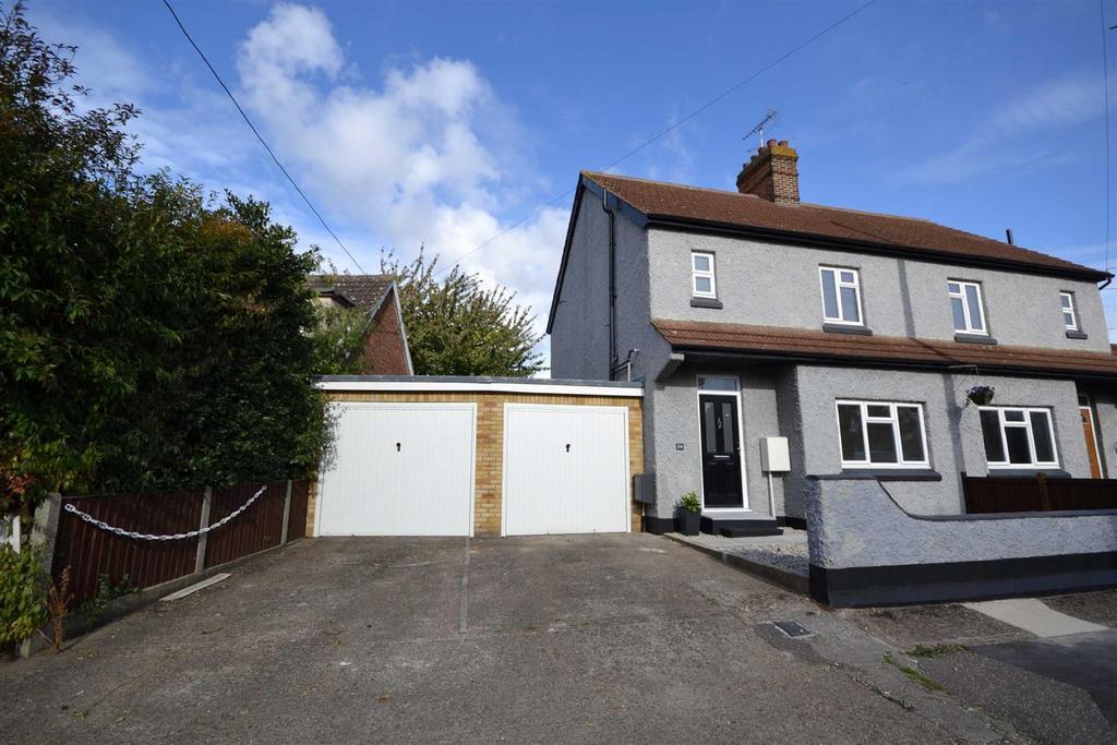 3 Bedrooms Semi Detached House for sale in Crescent Road, Heybridge, Maldon