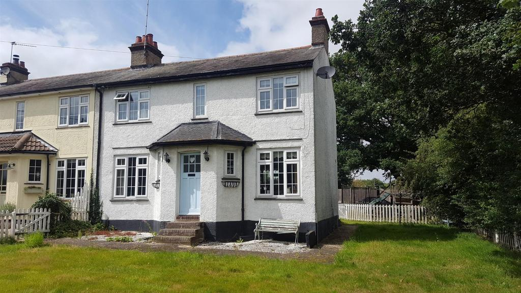 3 Bedrooms Semi Detached House for sale in Boreham,