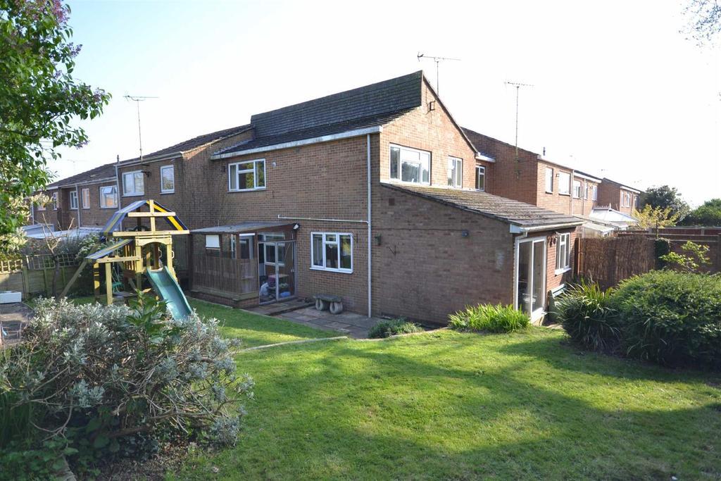 3 Bedrooms End Of Terrace House for sale in Jubilee Rise, Danbury
