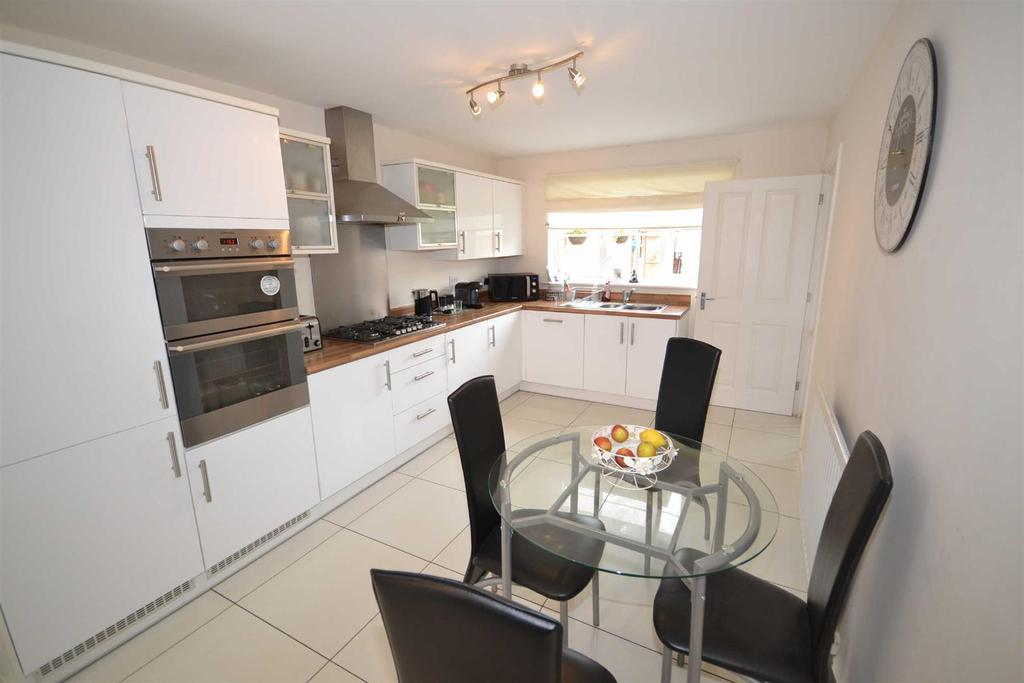 4 Bedrooms Detached House for sale in The Spinnaker, St Lawrence