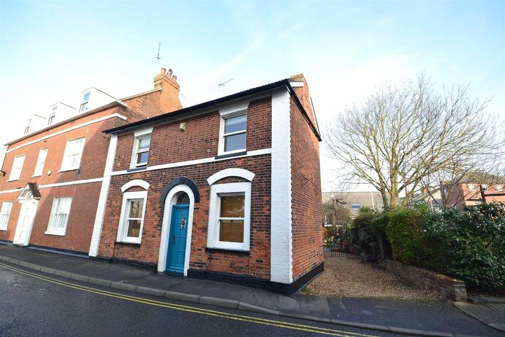 3 Bedrooms End Of Terrace House for sale in High Street, Burnham-on-Crouch