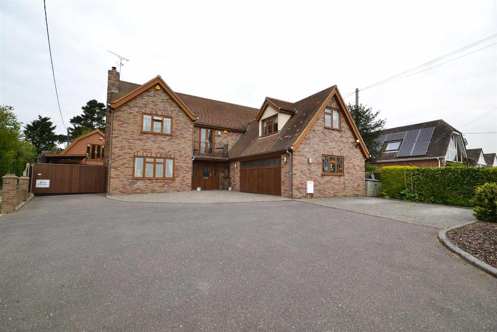 5 Bedrooms Detached House for sale in Fambridge Road, Althorne