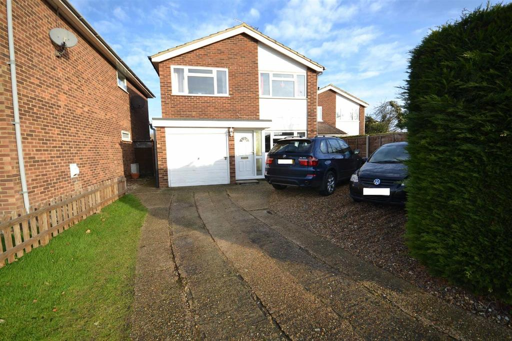 4 Bedrooms Detached House for sale in Maple Way, Burnham-on-Crouch