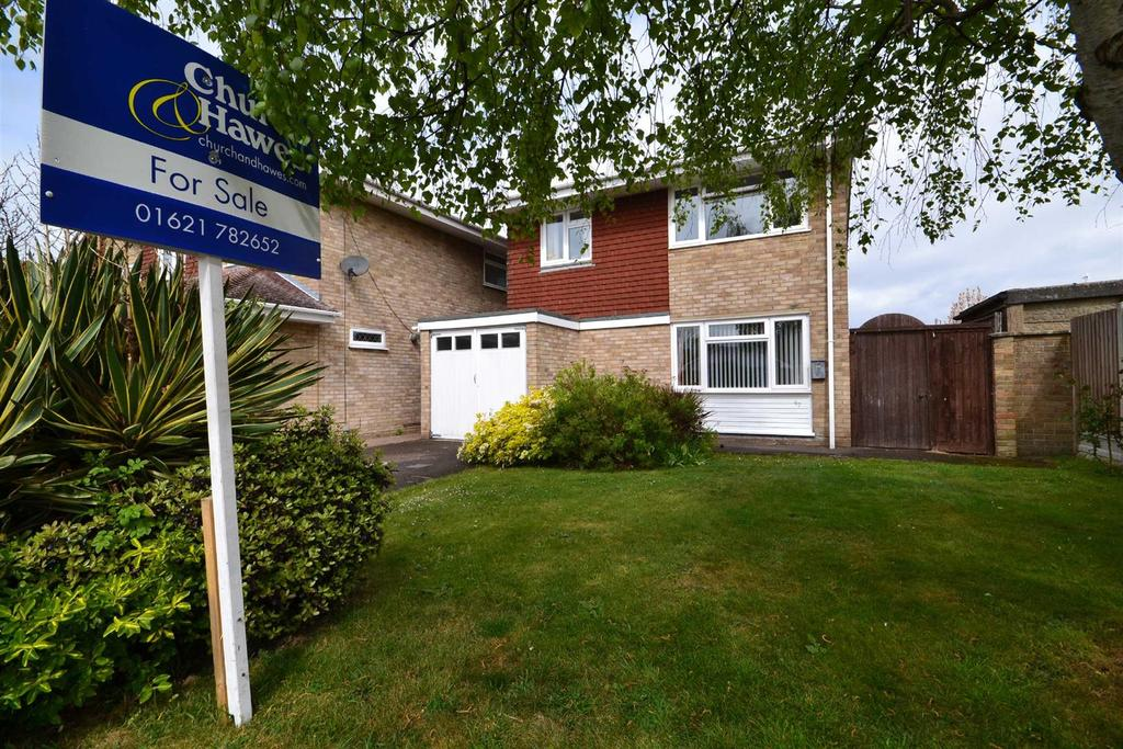 4 Bedrooms Detached House for sale in Glebe Way, Burnham-on-Crouch