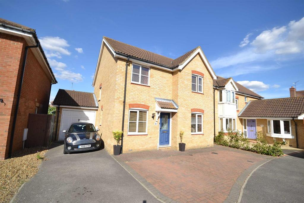 4 Bedrooms Detached House for sale in Lavender Drive, Southminster