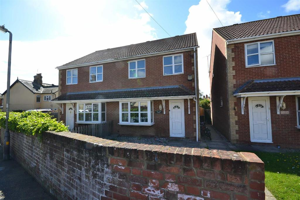 3 Bedrooms Semi Detached House for sale in Devonshire Road, Burnham-on-Crouch