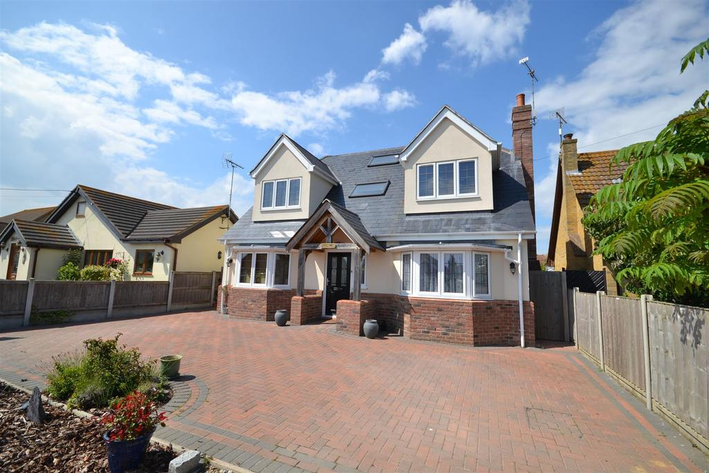 4 Bedrooms Detached House for sale in Seaway, St Lawrence