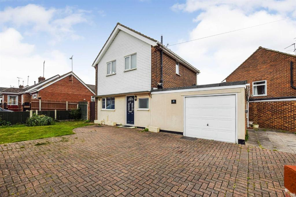 3 Bedrooms Detached House for sale in Granger Avenue, Maldon
