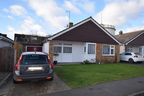 3 bedroom bungalow to rent - Highlands Drive, Maldon