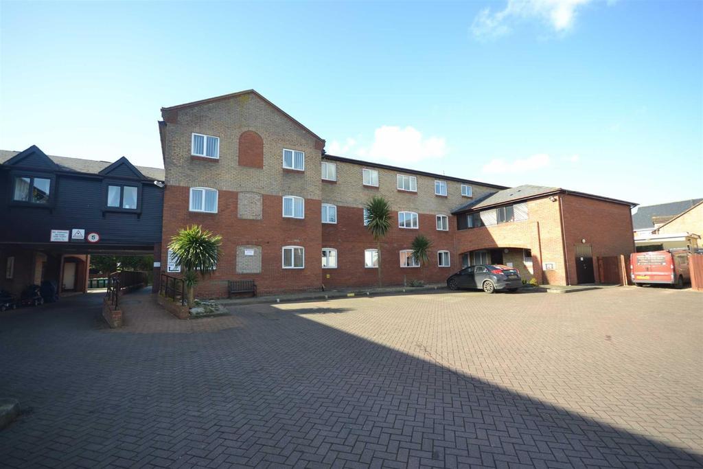 1 Bedroom Retirement Property for sale in Baker Mews, High Street, Maldon