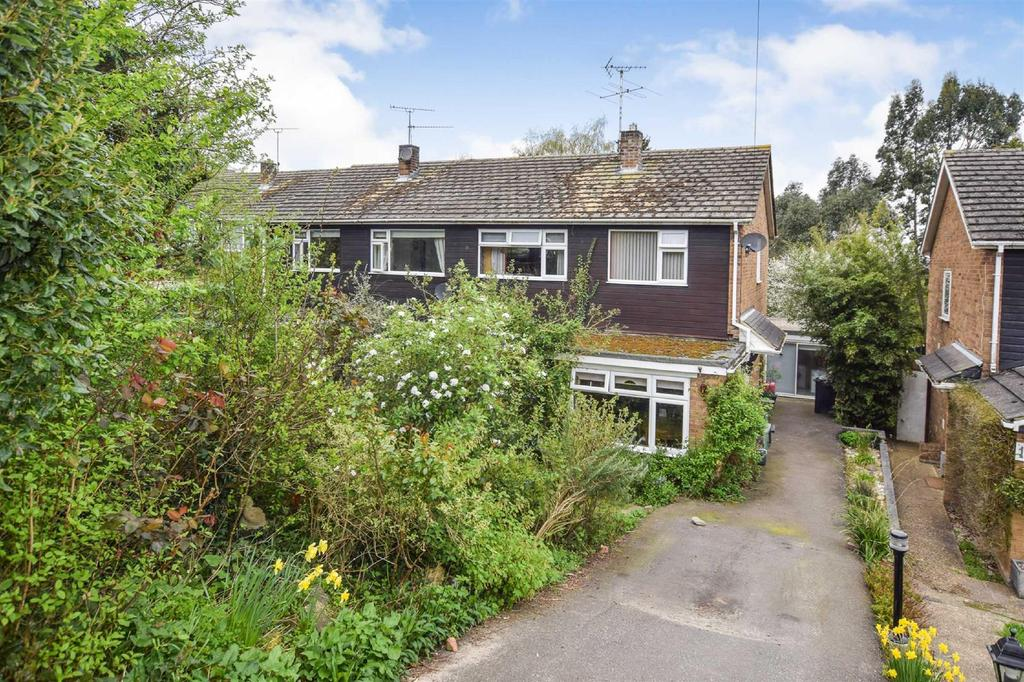 3 Bedrooms Semi Detached House for sale in Beacon Hill, Maldon