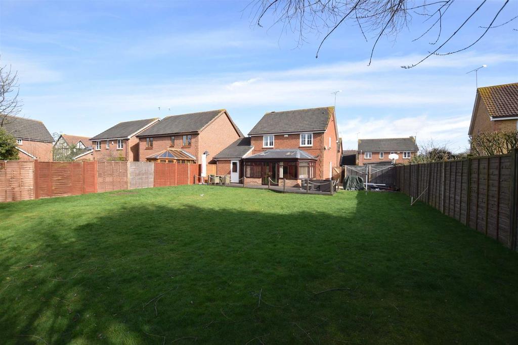 4 Bedrooms Detached House for sale in Roman Close, Heybridge