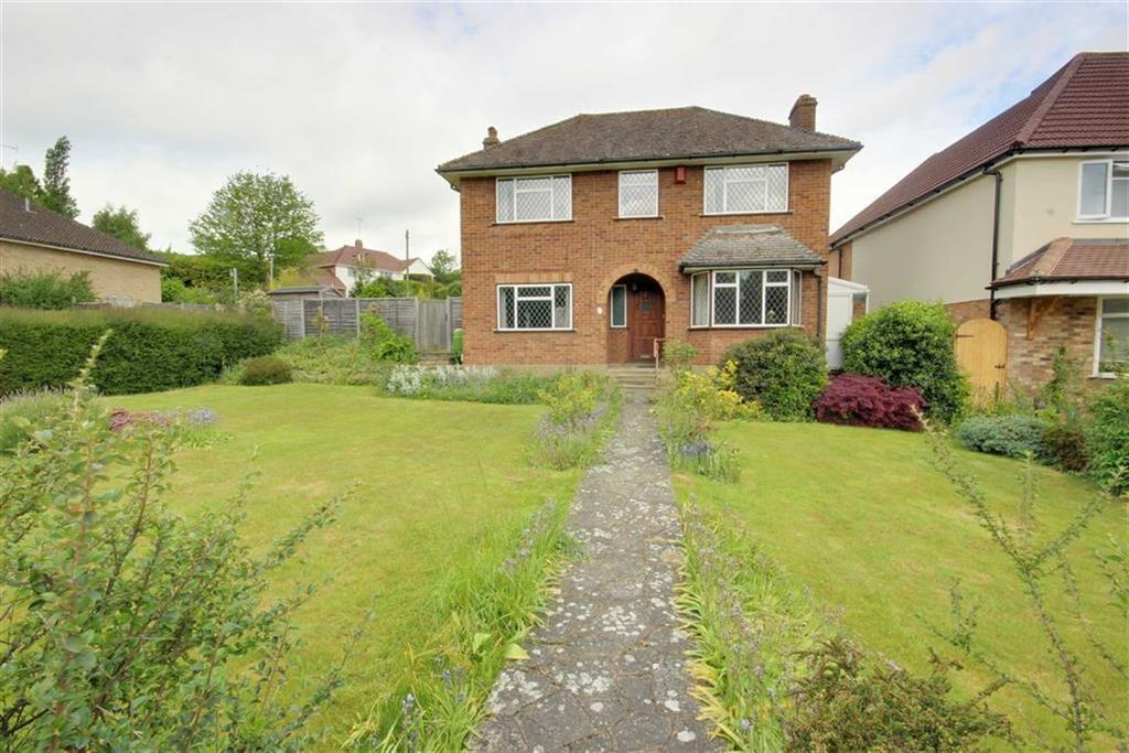 4 Bedrooms Detached House for sale in Tolmers Avenue, Cuffley, Hertfordshire