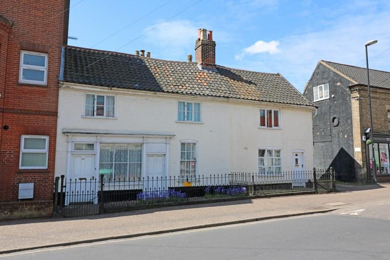 4 Bedrooms Cottage House for sale in Fairland Street, Wymondham