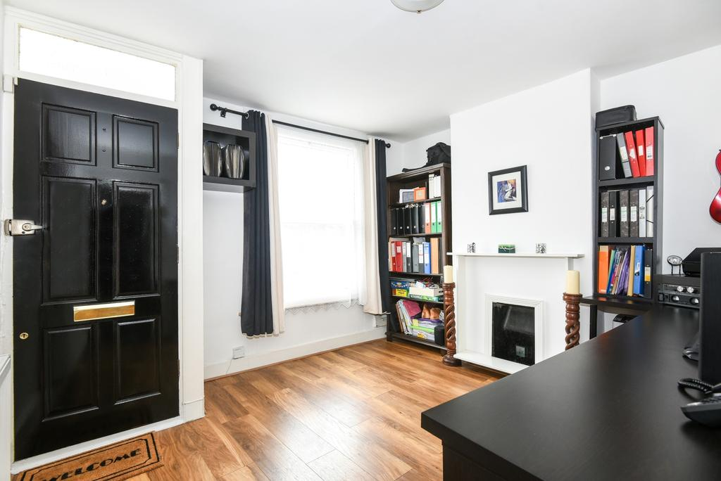 2 Bedrooms Terraced House for sale in Addison Road London SE25