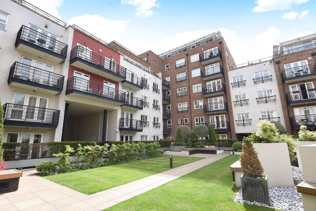 1 Bedroom Flat for sale in Royal Quarter, Seven Kings Way, Kingston upon Thames, KT2