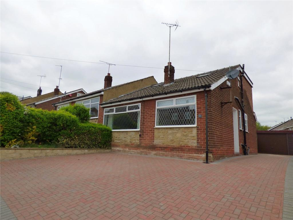 4 Bedrooms Semi Detached House for sale in Milton Drive, Liversedge, West Yorkshire, WF15
