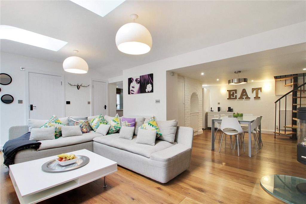 3 Bedrooms Detached House for sale in Goddington Lane, Harrietsham, Maidstone, Kent, ME17