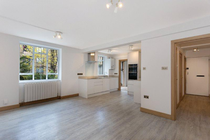 3 Bedrooms Flat for sale in Charles Rowan House, Margery Street, London, WC1X