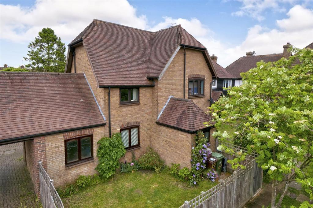 3 Bedrooms Semi Detached House for sale in Morley Drive, Horsmonden