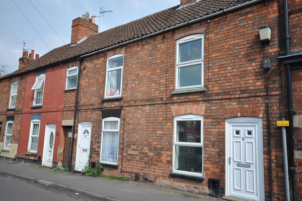2 Bedrooms Terraced House for sale in Cross Street, Newark