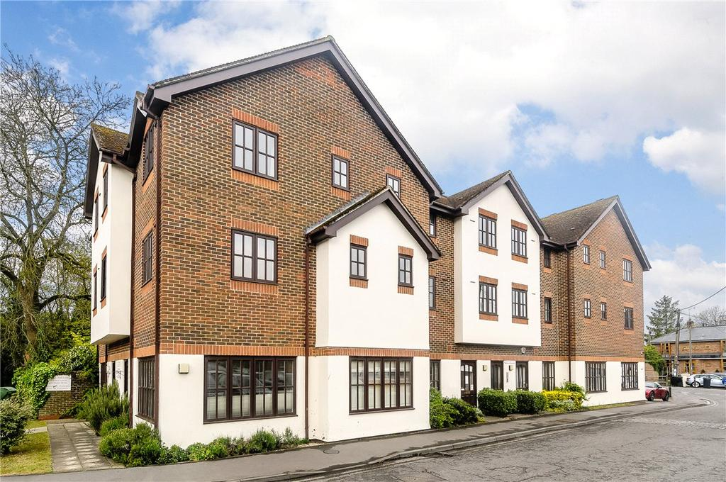 2 Bedrooms Apartment Flat for sale in Old Ford Court, High Street, Pewsey, Wiltshire, SN9