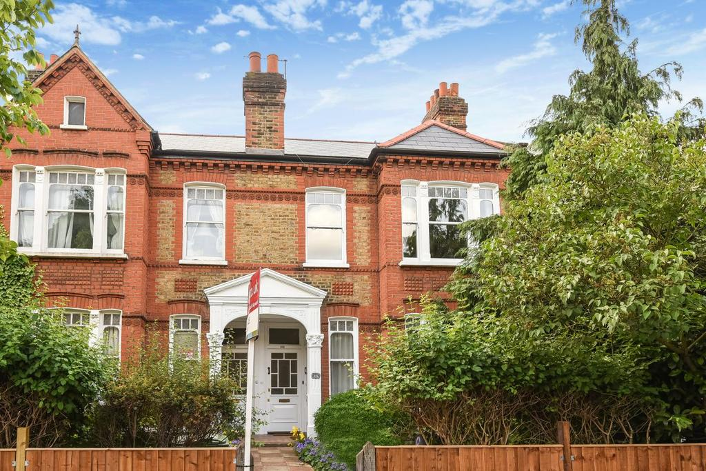 2 Bedrooms Maisonette Flat for sale in Croxted Road, Dulwich, SE21