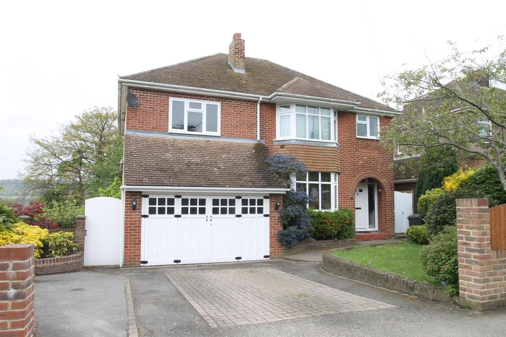 5 Bedrooms Detached House for sale in Downs Road, Penenden Heath, Maidstone