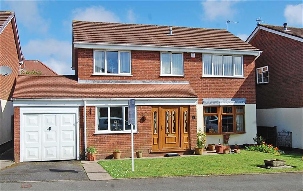 4 Bedrooms Detached House for sale in Larch Grove, Sedgley