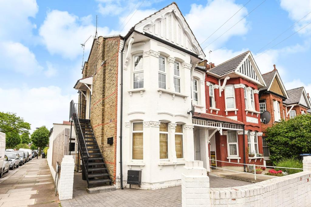 2 Bedrooms Flat for sale in Park Avenue, Palmers Green