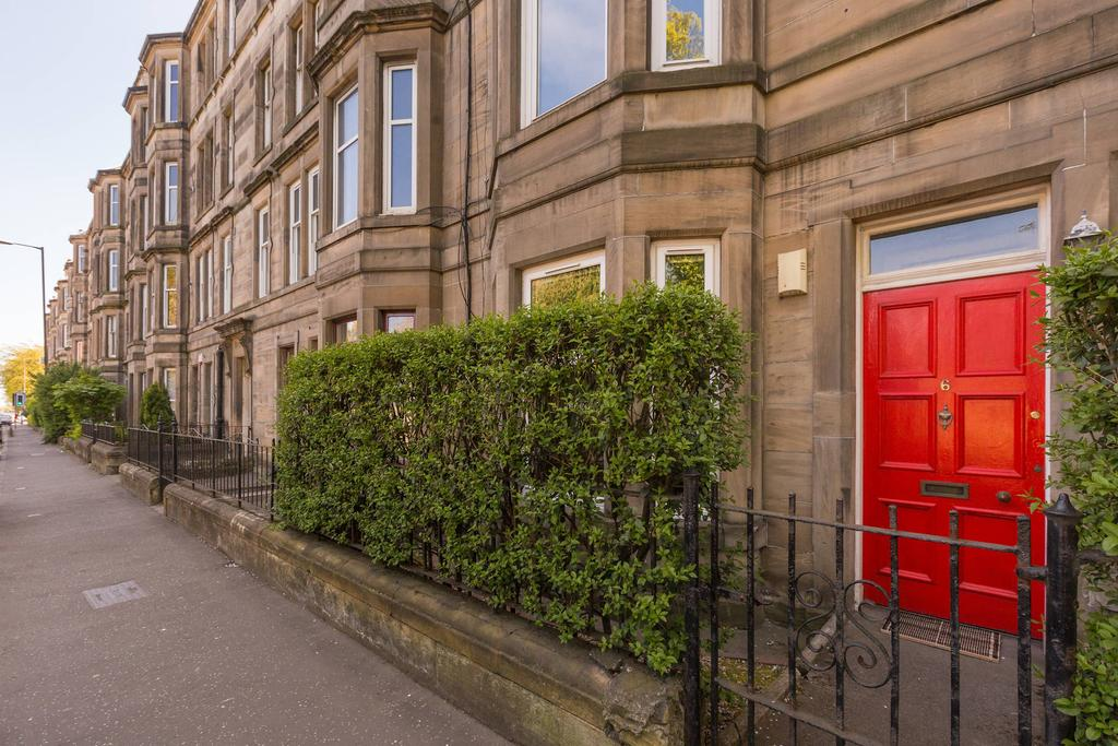 2 Bedrooms Flat for sale in 6 Chancelot Terrace, Trinity, EH6 4ST