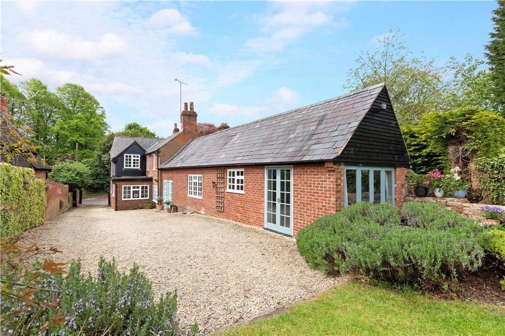 4 Bedrooms Unique Property for sale in Oving Road, Whitchurch, Aylesbury, Buckinghamshire