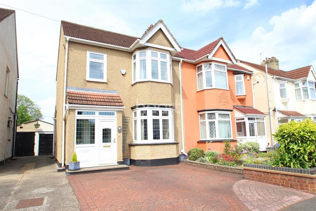 3 Bedrooms Semi Detached House for sale in Heath Park Road, Gidea Park