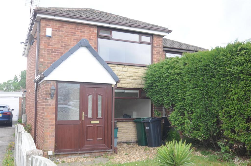 2 Bedrooms Terraced House for sale in Hallfield Drive, Chester
