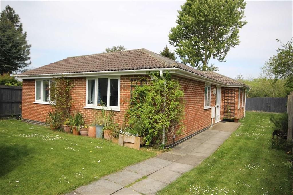3 Bedrooms Detached Bungalow for sale in Pilford Avenue, Leckhampton, Cheltenham, GL53