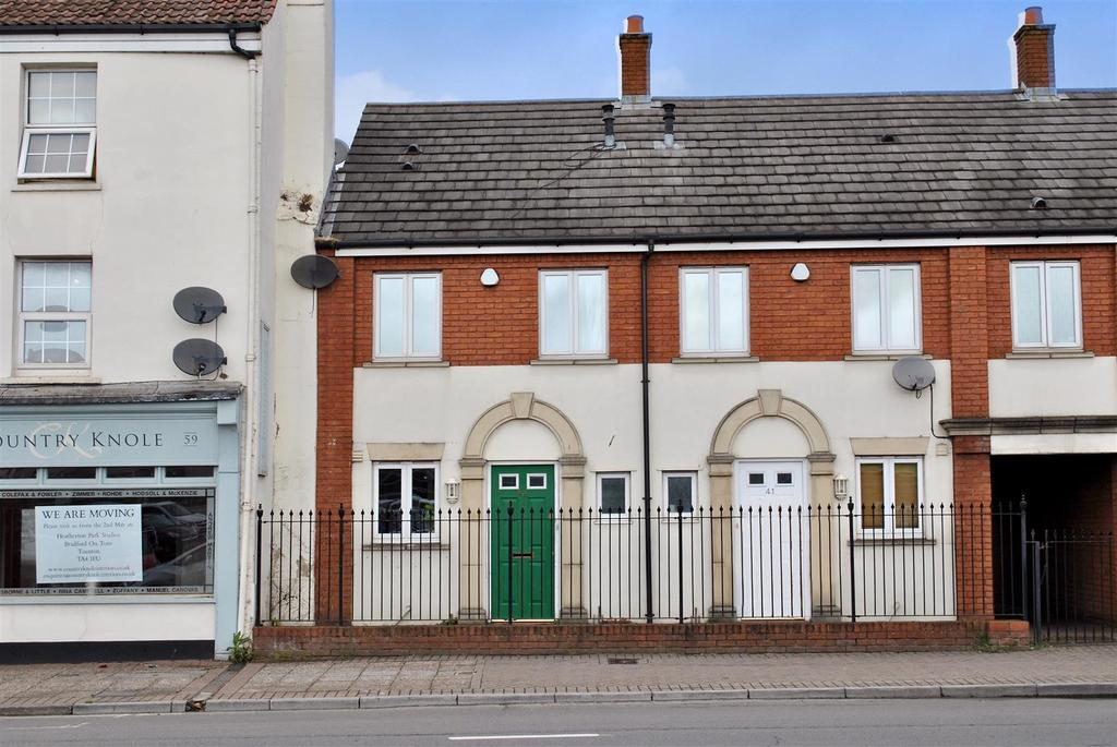 2 Bedrooms Terraced House for sale in Mitre Court, Taunton