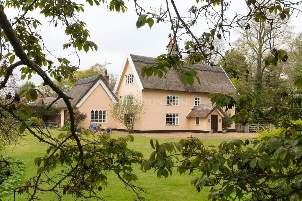 5 Bedrooms Detached House for sale in Near Diss