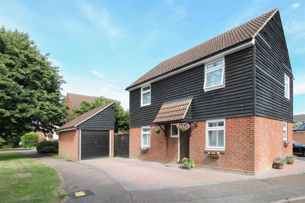4 Bedrooms Detached House for sale in Kelvedon Green, Kelvedon Hatch, Brentwood