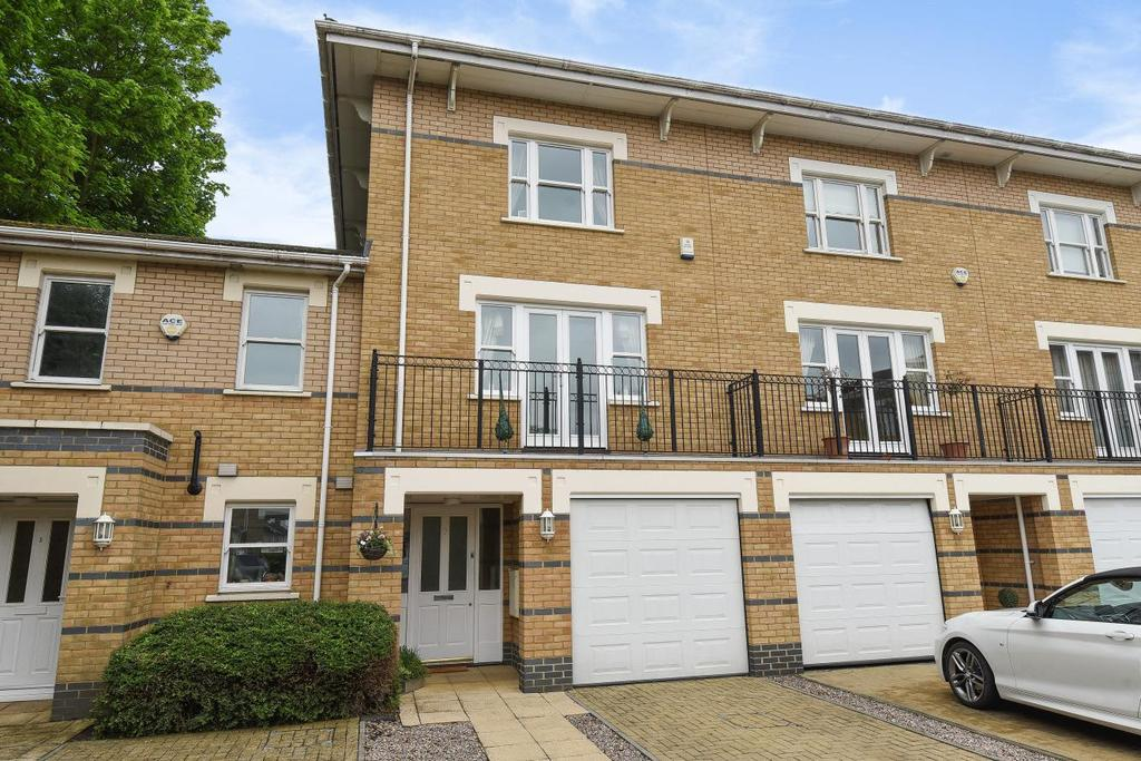 3 Bedrooms Town House for sale in Drake Mews, Bromley, BR2