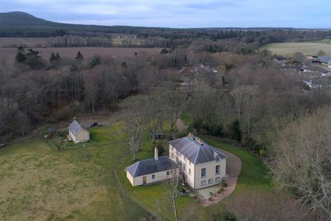6 bedroom detached house for sale - Tochieneal House and Cottage, Lintmill, Cullen, Moray, AB56