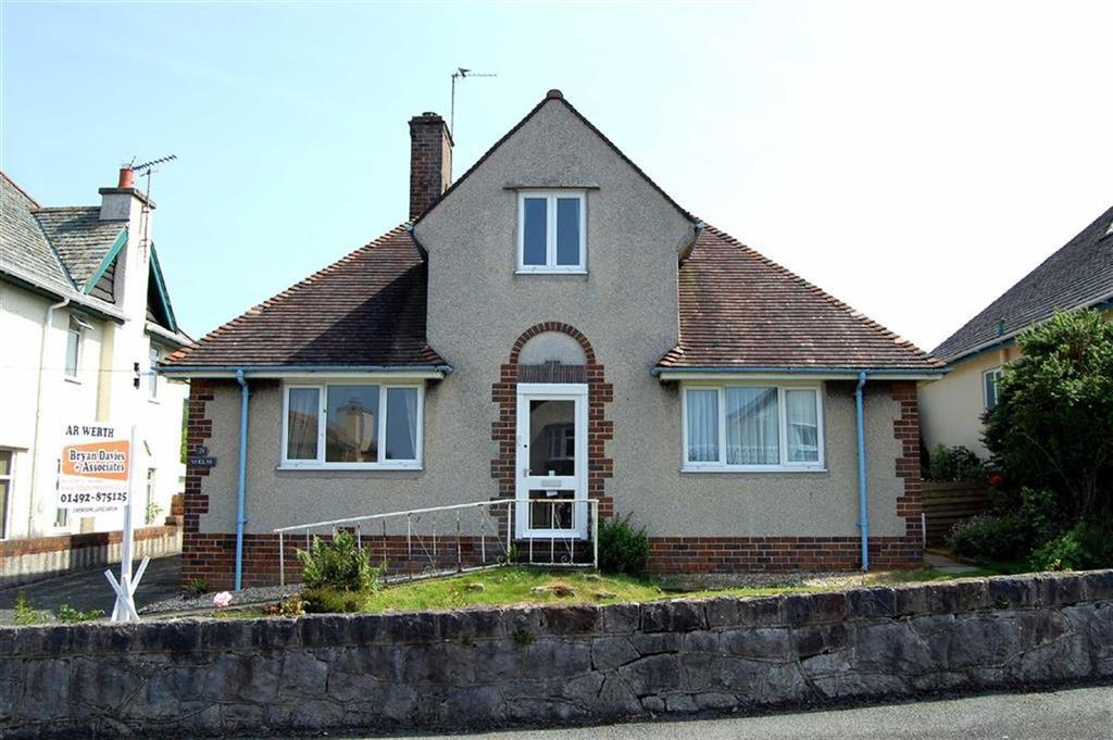 2 Bedrooms Detached Bungalow for sale in Vicarage Avenue, Llandudno, Conwy