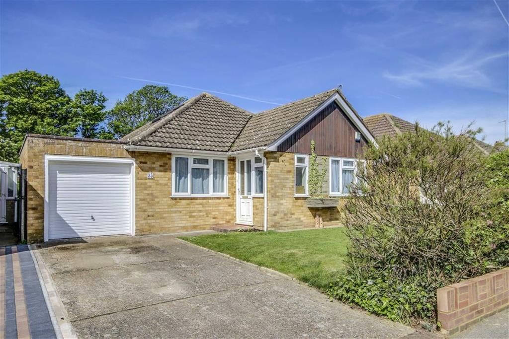3 Bedrooms Detached Bungalow for sale in Farm Close, Seaford
