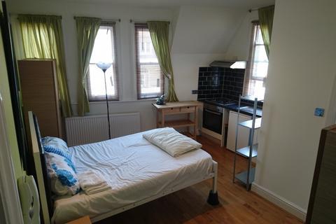 Studio to rent - Churchway, Euston, London NW1