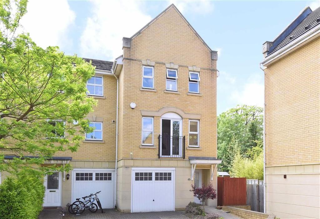 4 Bedrooms Town House for sale in Sparkes Close, Bromley, Kent