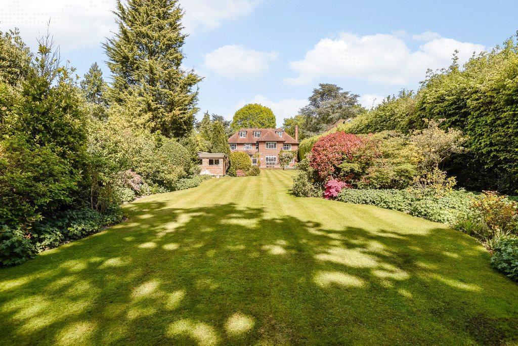 5 Bedrooms Detached House for sale in Oxshott Way, Cobham, Surrey, KT11