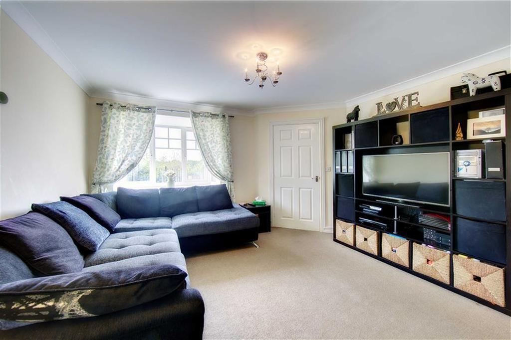 Mickley close dilston grange wallsend ne28 3 bed semi for Garden rooms dilston