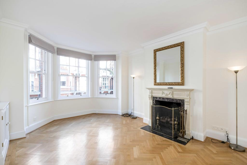 3 Bedrooms Flat for sale in Rossetti Garden Mansions, St. Loo Avenue, London. SW3
